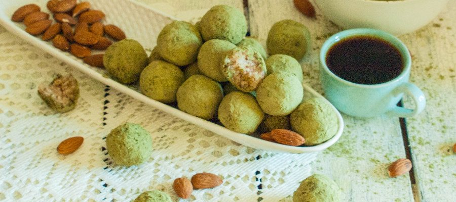 No Bake Matcha Green Tea, Coconut & Almonds Balls – delicious and beneficial snack