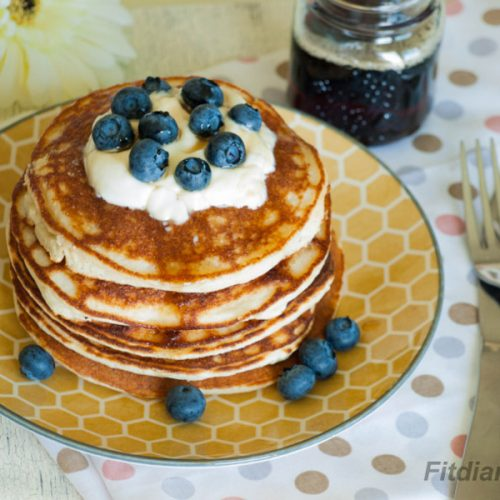 High Protein Coconut Pancakes – delicious low carb breakfast