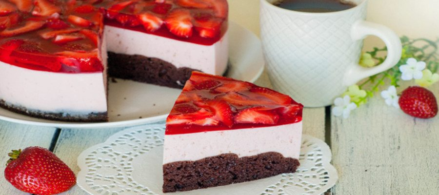 Strawberry Mousse Cake – low calorie dessert for your diet