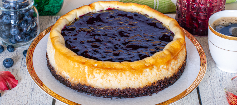Ricotta Cheesecake with Blueberry Sauce – amazing low calorie dessert