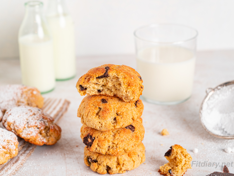 Healthy Chocolate Chunk Cookies – high in protein and sugar-free treats