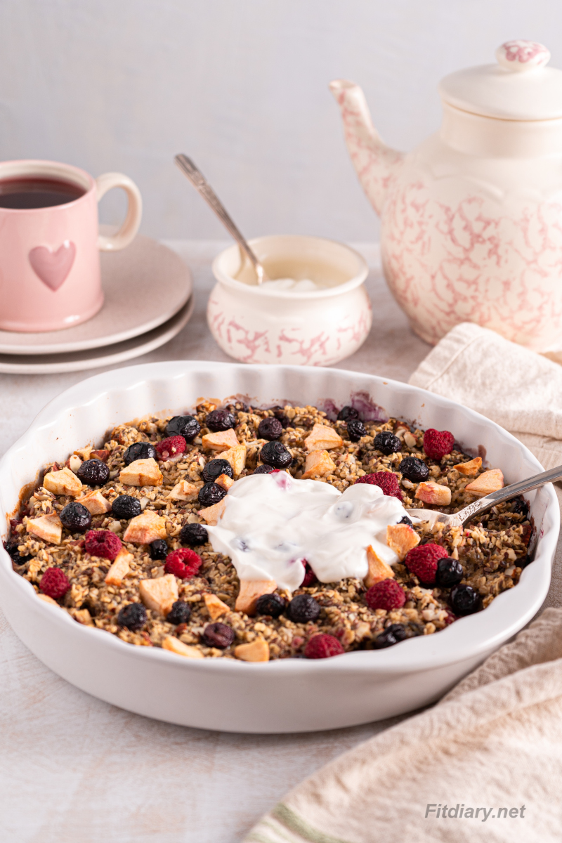 Apple Berry Baked Oatmeal – delicious, healthy, and easy breakfast packed with nutrients