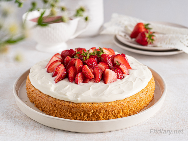 Strawberry Cake – healthy, sugar-free ultimate summer dessert