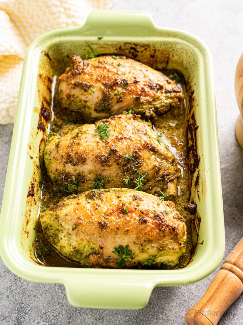 Baked Pesto Chicken - easy and healthy chicken dinner ideas under 30 minutes