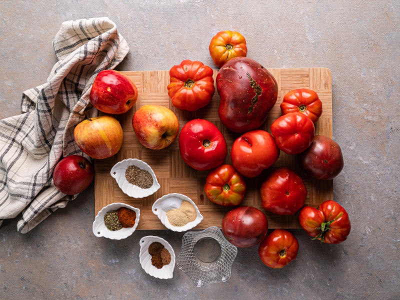 Healthy Homemade Ketchup – made with fresh tomatoes and perfect for canning